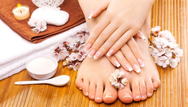Shopping Package with Manicure and Pedicure